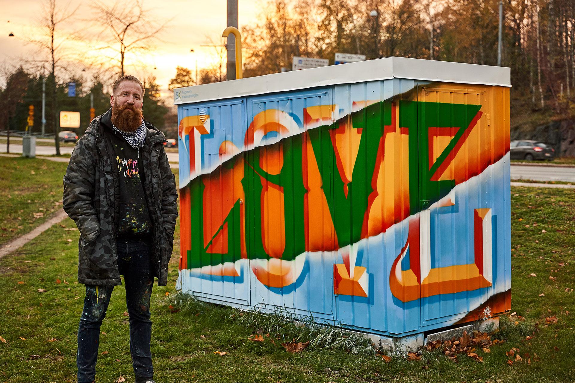 Love-graffiti Toukolassa. Kuva: Jukka Lariola